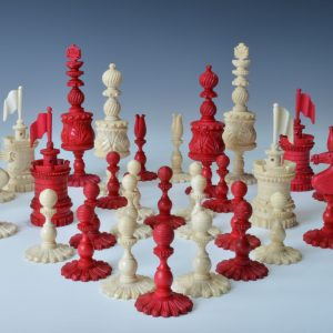 ANTIQUE 19TH CENTURY BONE BARLEYCORN CHESS SET
