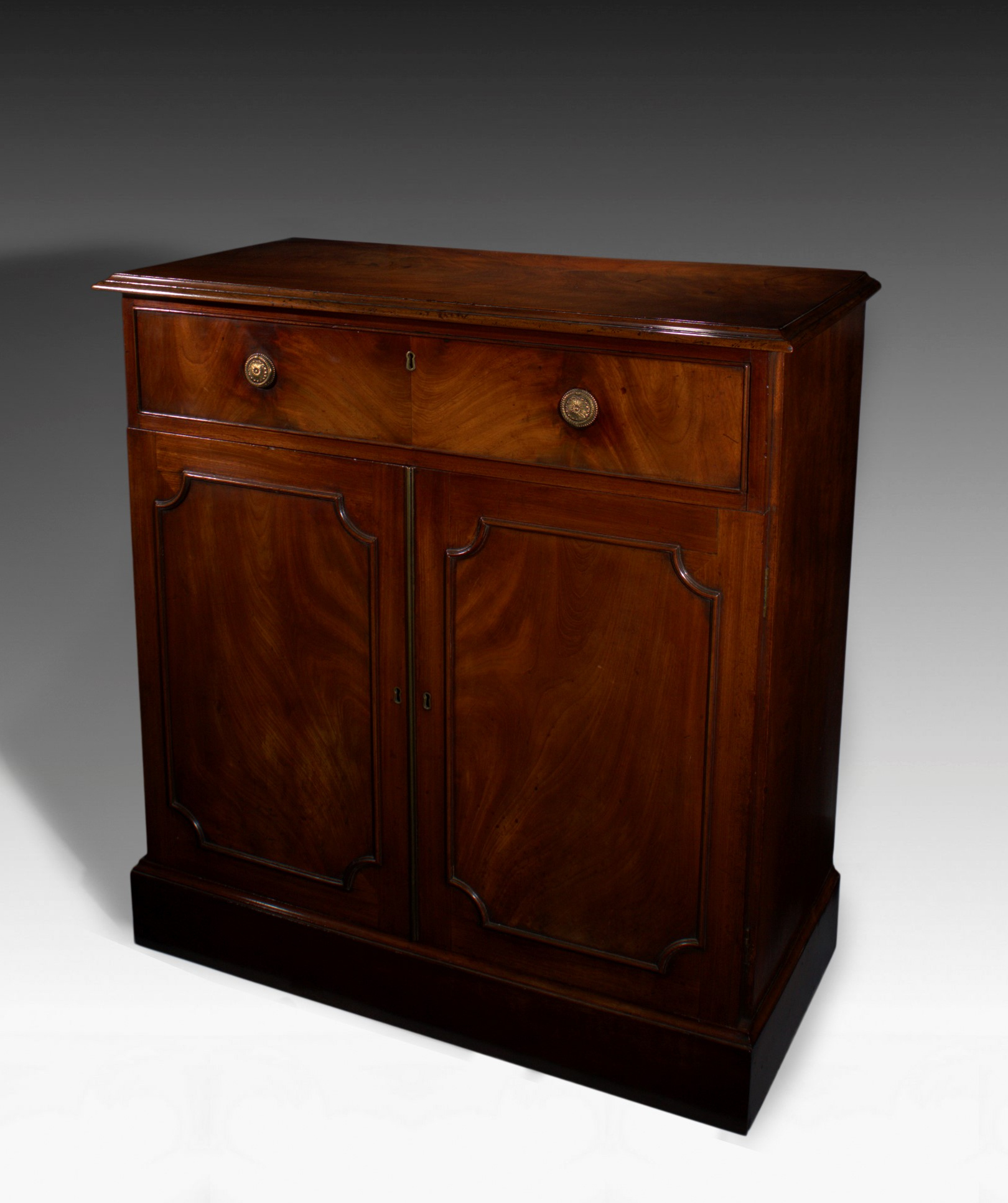 ANTIQUE GEORGE III MAHOGANY SIDE CABINET WITH CELLARET DRAWER