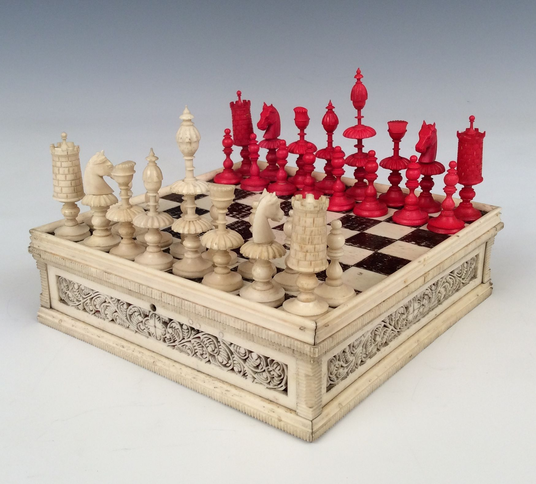 Antique early 19th century miniature chess set - Collectible chess sets ...