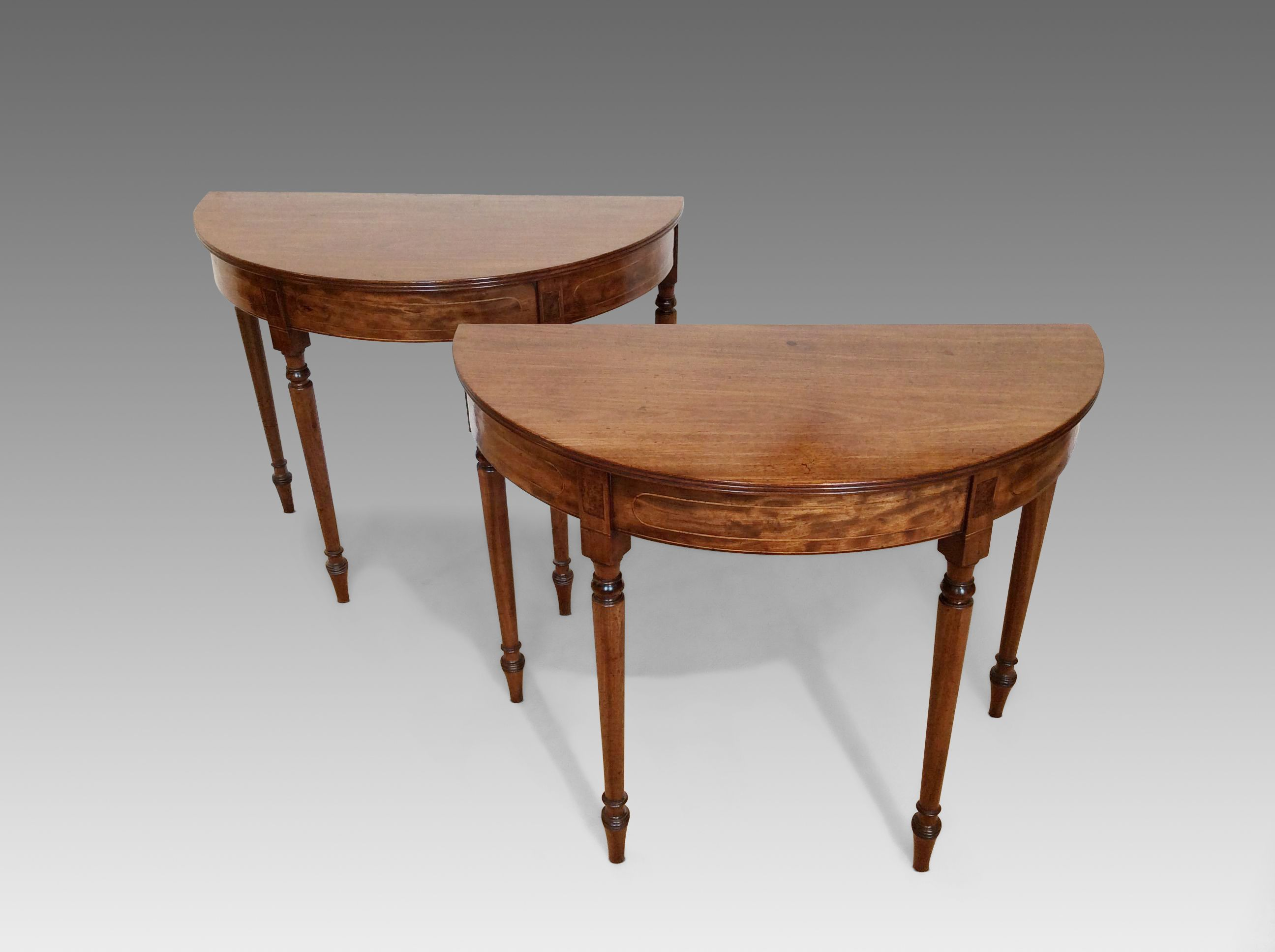 ANTIQUE GEORGE III SMALL DINING TABLE OF SMALL SIZE