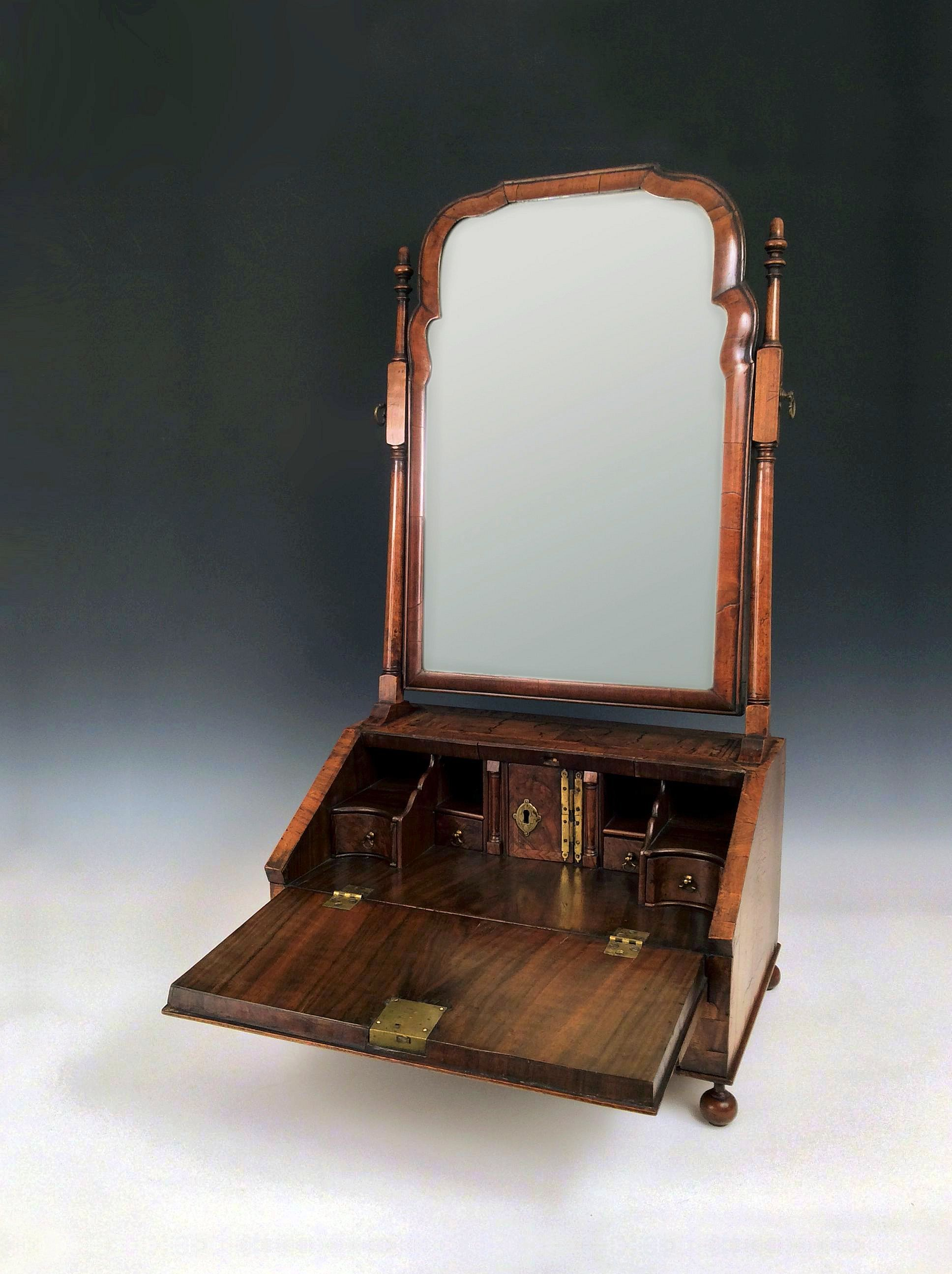 Rare antique queen anne walnut table bureau dressing mirror for Bureau with mirror