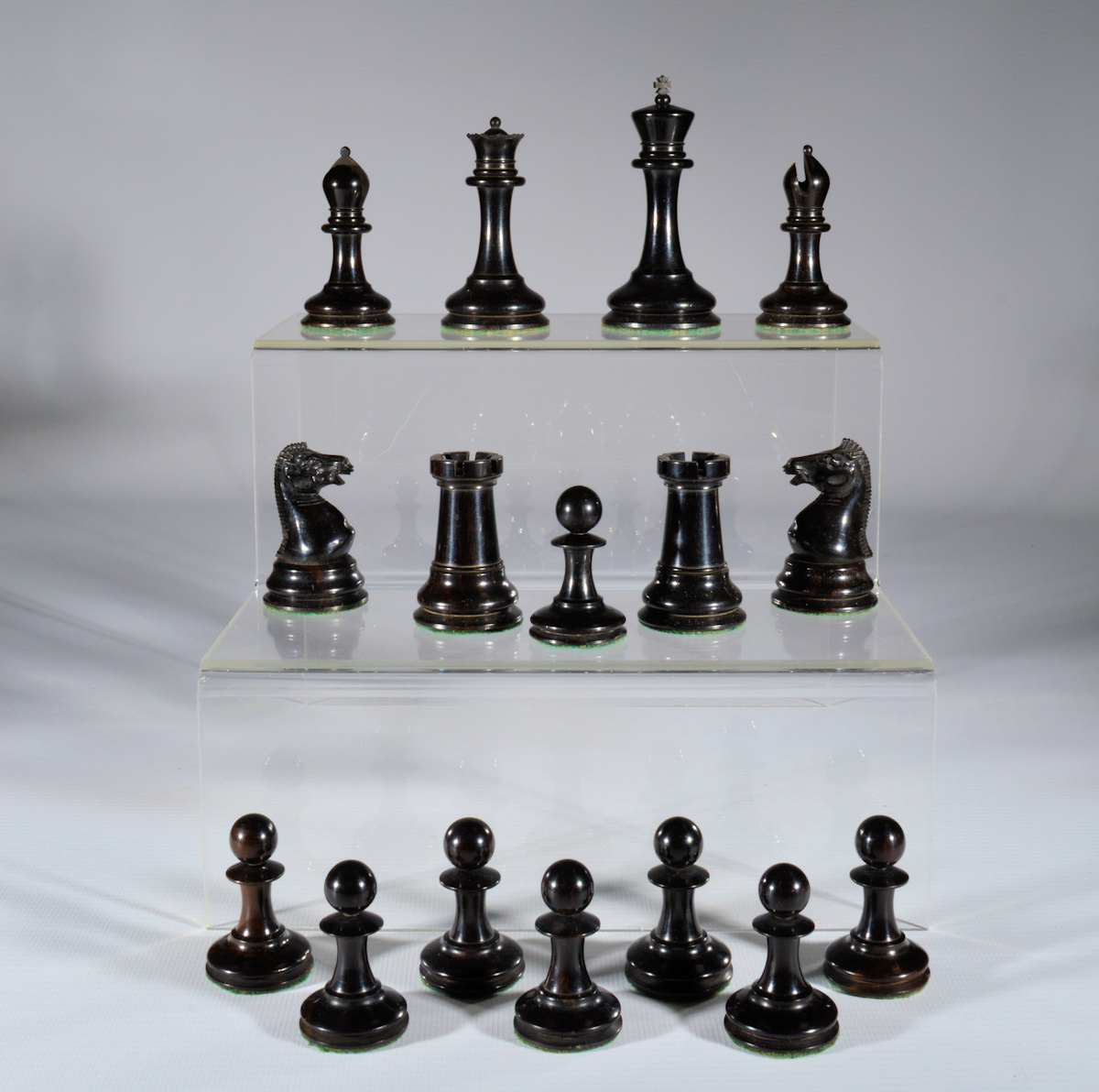 Antique jaques staunton chess set boxwood and ebony - Collectible chess sets ...