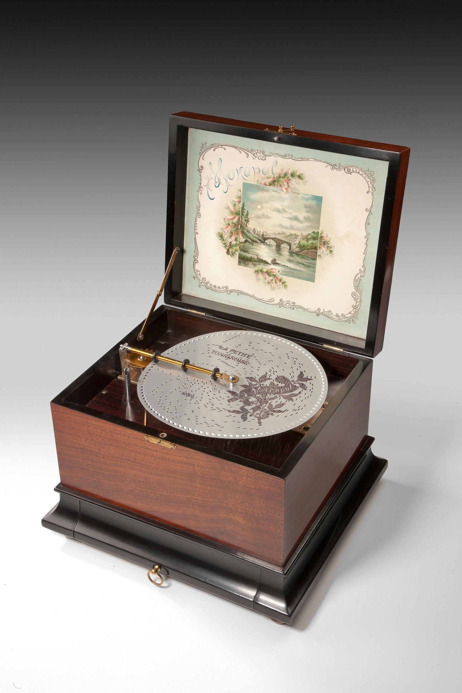 Monopol Disc Music Box Antique 4717 1