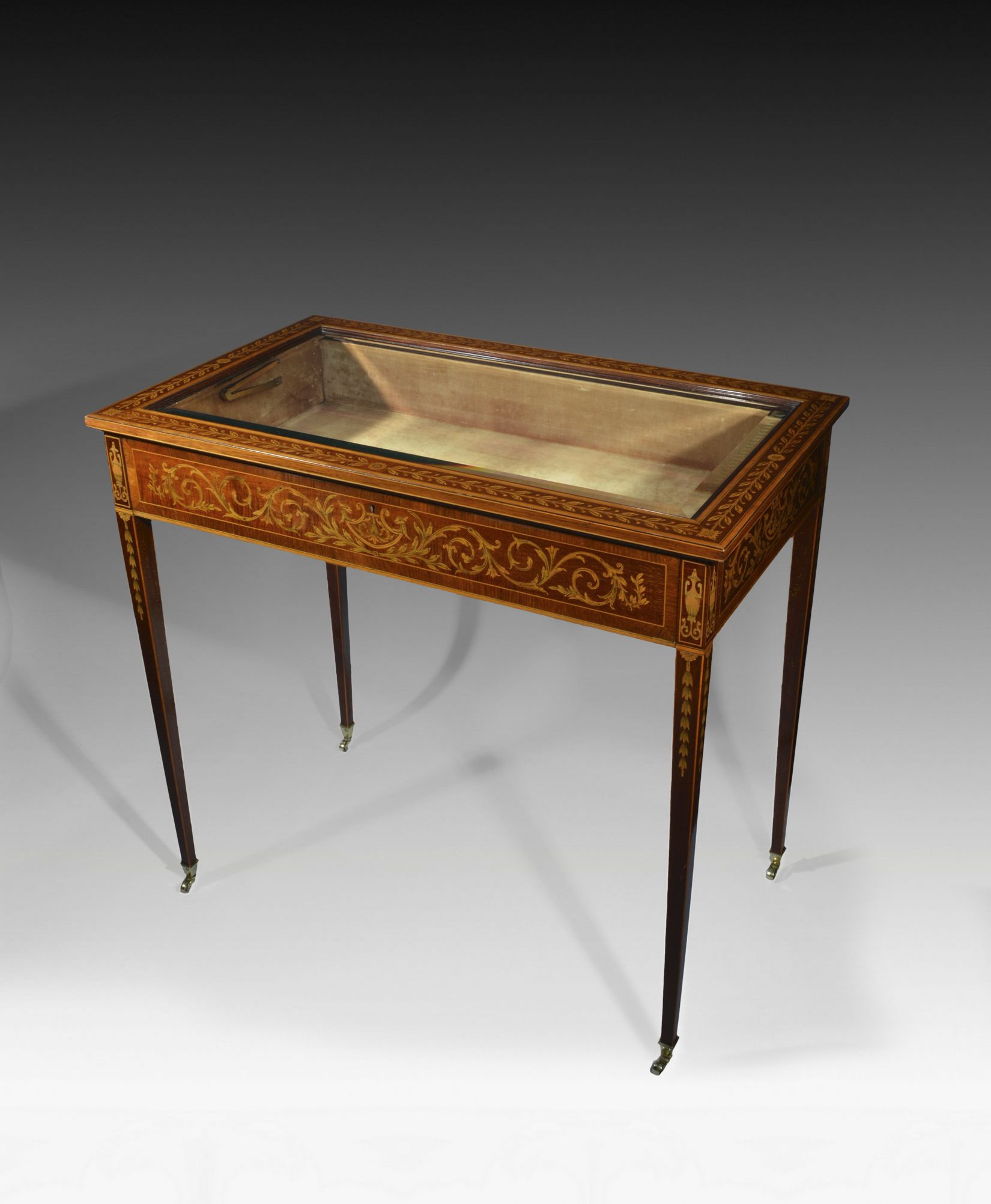 EDWARDS AND ROBERTS BIJOUTERIE TABLE Richard Gardner Antiques