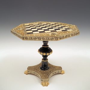 ANTIQUE VIZAGAPATAM OCTAGONAL SHAPED CHESS TABLE