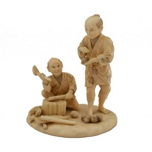ANTIQUE JAPANESE IVORY OKIMONO OF TWO WORKERS