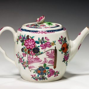 ANTIQUE WORCESTER TEAPOT AND COVER