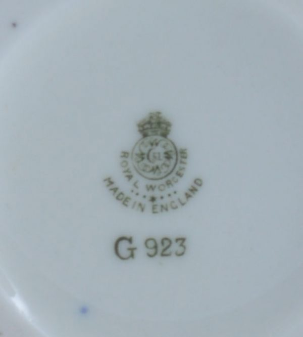 antique-Royal-Worcester-vase-highland-cattle-harry-Stinton-DSC_2602-_6132