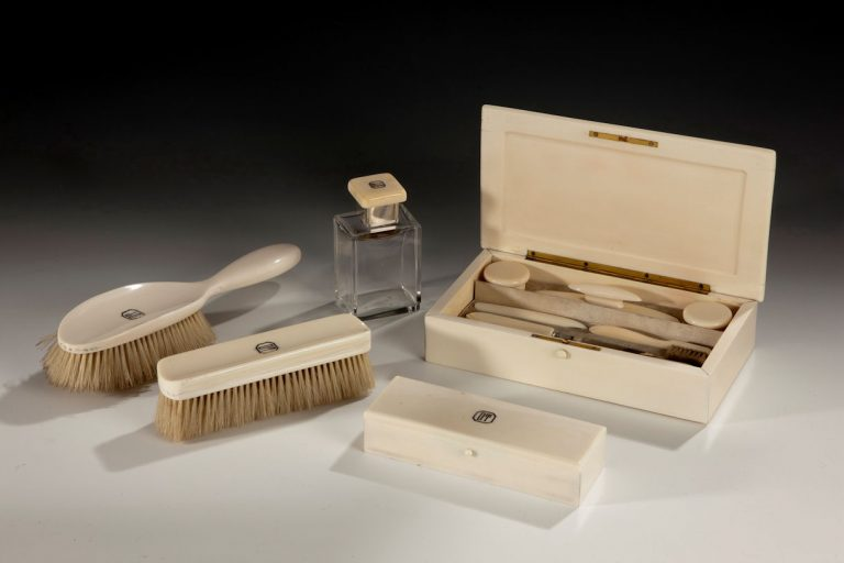 VINTAGE IVORY LADIES DRESSING TABLE SET