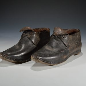 ANTIQUE PAIR OF CHILDS CLOGS POSSIBLY WELSH