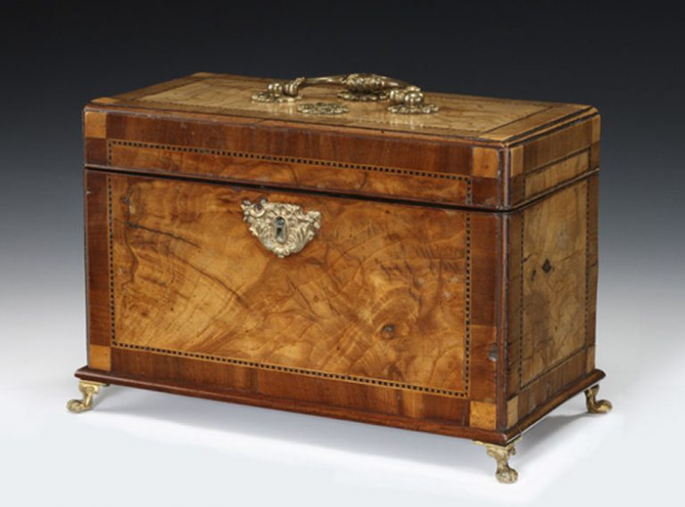 GEORGE II WALNUT TEA CADDY