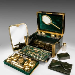 SILVER GILT LADIES DRESSING CASE BY JENNER AND KNEWSTUB