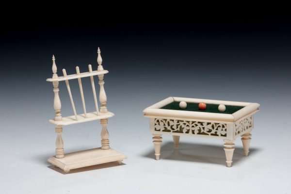 ANTIQUE MINIATURE IVORY SNOOKER TABLE & CUE HOLDER