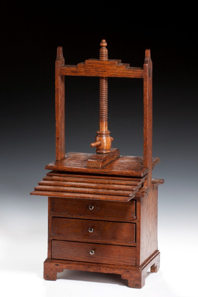 miniature-oak-chest-drawers-linen-press-antique-4555_1_4555