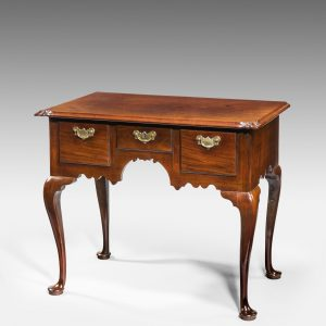 ANTIQUE GEORGE II VIRGINIA WALNUT LOWBOY ON CABRIOLE LEGS