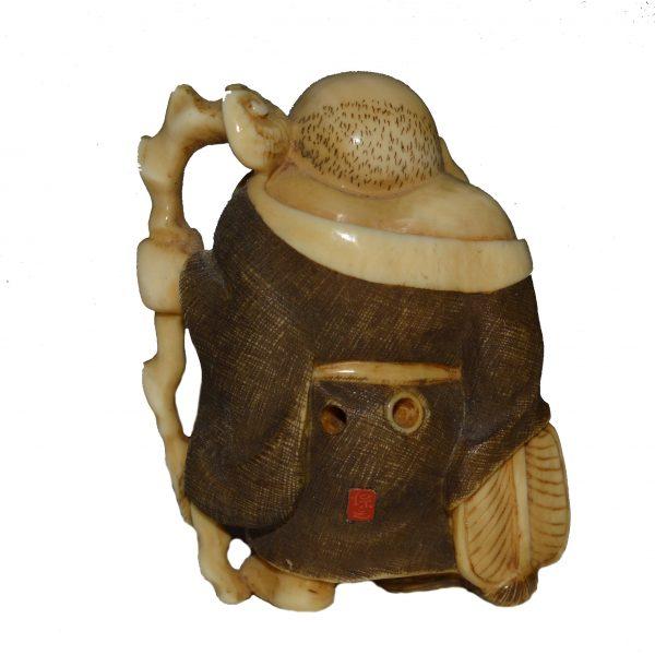 antique-japanese-ivory-netsuke-hotei-meiji-period-DSC_9017