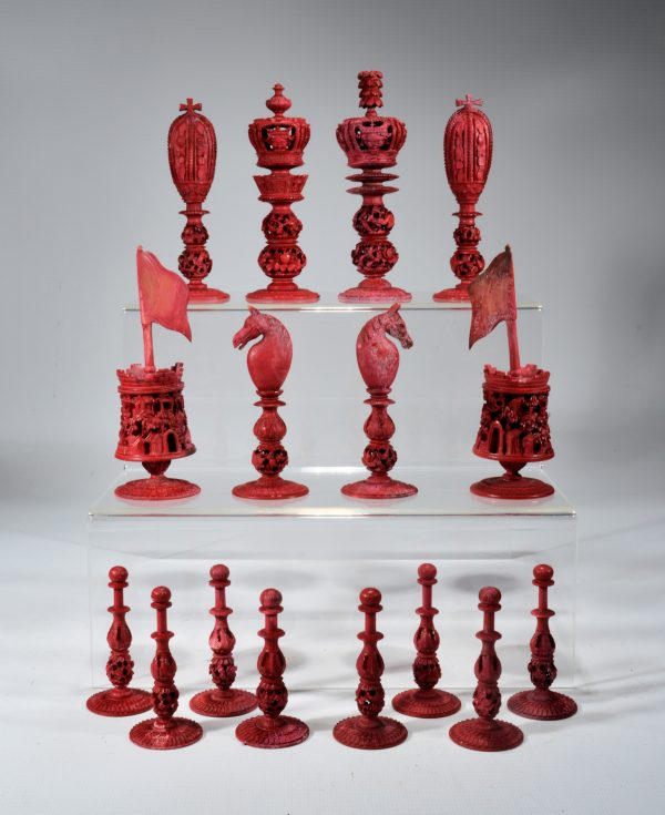 antique-chess-set-chinese-burmese-ivory-red-white-DSC_9444
