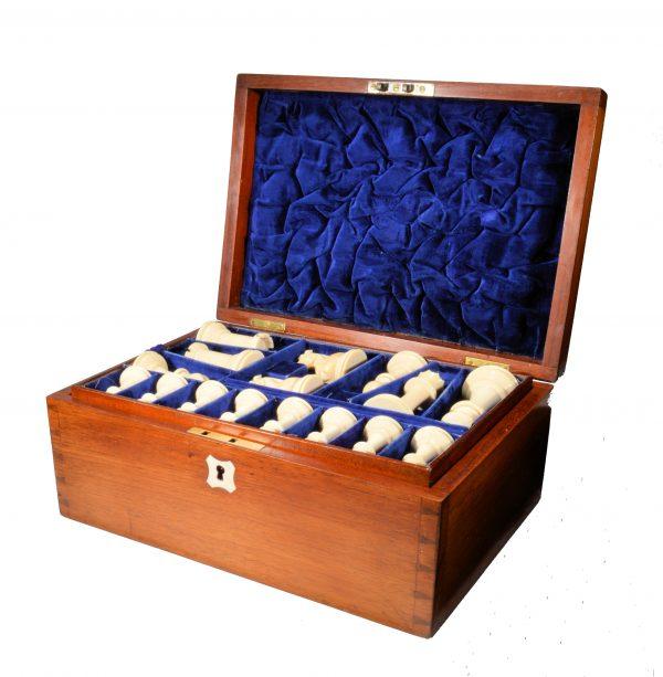 antique-chess-set-jaques-staunton-ivory-club-size-preti-meyer-cafe-regence-DSC_9497