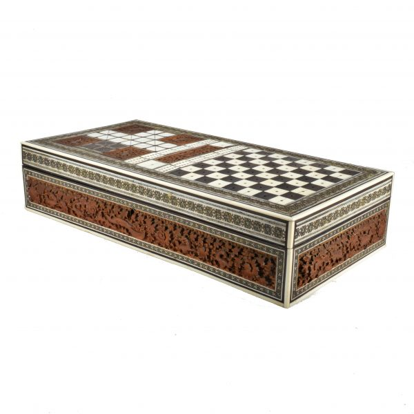 ANTIQUE ANGLO-INDIAN IVORY AND SADELI-WARE GAMES BOX